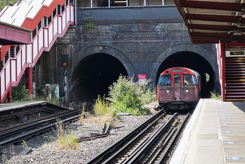 Southbound Bakerloo Line Train Arrives at Kensal Green