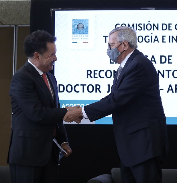 05/08/2021 Entrega De Reconocimiento Al Dr. José Ruíz Argüelles
