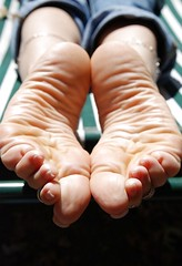 Olympics Of Feet - Sun On Soles