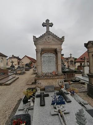 Begraafplaats in Corroy