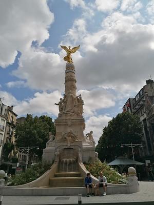 Standbeeld in Reims