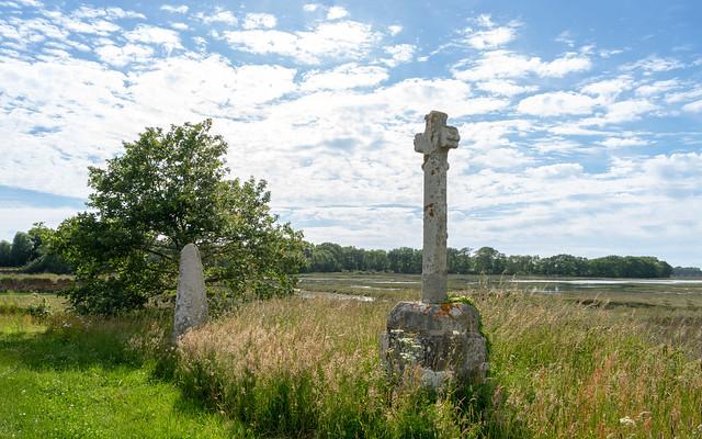 Photo:4819 Le lech et la croix de Pen-Er-Pont (Locoal-Mendon) By Oeil de verre