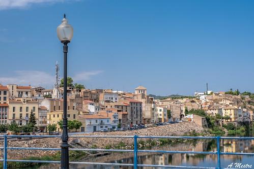 Fanal al pont de Mora d'Ebre