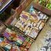 我家附近開十幾年的印尼店,第一次來逛逛買包椰糖。回家查價,蝦皮最低價賣39元最貴賣50元。我買55元,果然是信義區的椰糖。