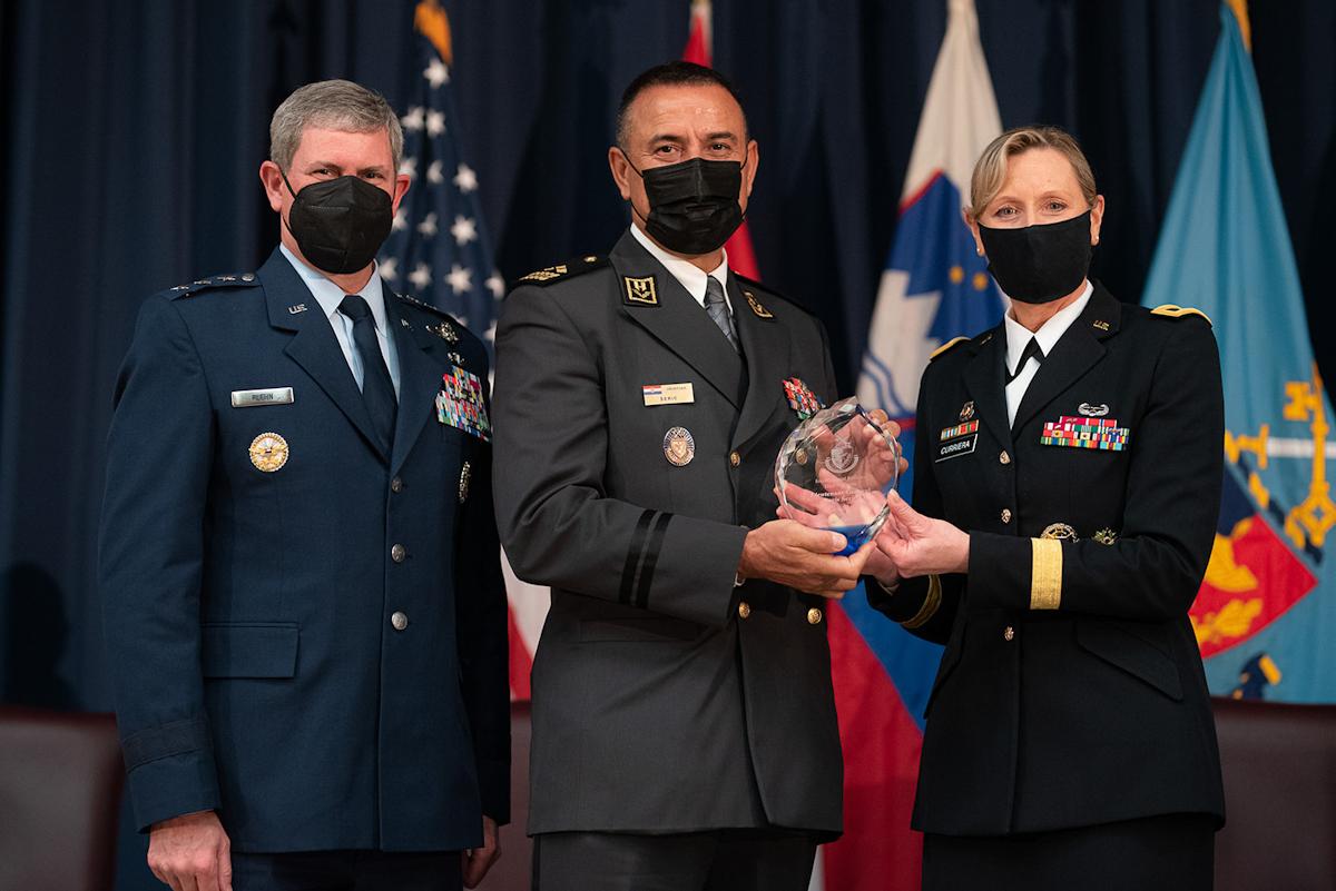 General-pukovnik Šerić primljen u NDU Međunarodnu kuću slavnih u Washingtonu