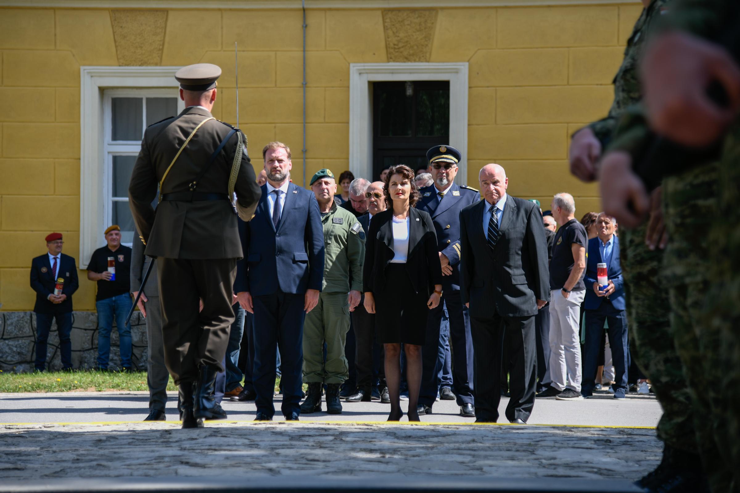 Ministar Banožić na obilježavanju 28. obljetnice VRO Medački džep