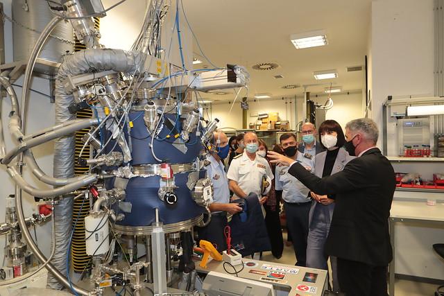 Photo:Reunión de trabajo con la ministra de Ciencia e Innovación   en el Instituto Nacional de Técnica Aeroespacial (INTA).Foto: Iñaki Gómez/MDE By Ministerio de Defensa