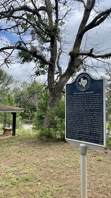Photo:Fort Houston Cemetery visit By QuesterMark