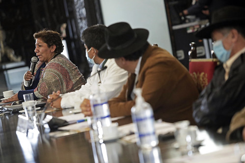 El presidente de la República, Pedro Castillo, junto al ministro de Desarrollo Agrario y Riego, Víctor Maita, sostuvo reunión con delegaciones del sector agrario.