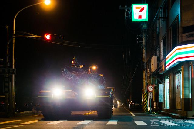 漢光37號演習花防部戰車營夜間戰術機動