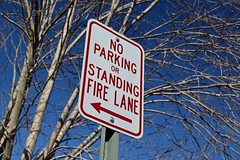 No parking sign at Warrenton Volunteer Fire Company [01]