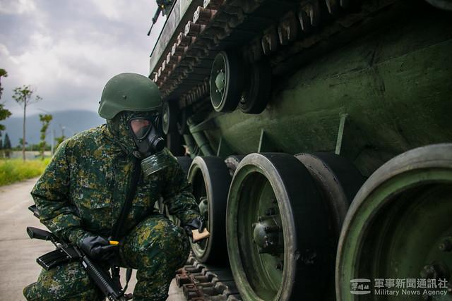 漢光37號演習花防部化兵連戰車消除作業