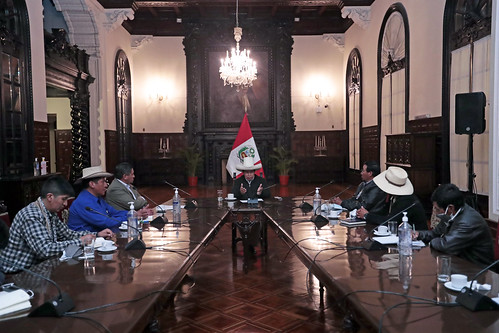 El presidente de la República, Pedro Castillo, se reunió con dirigentes y representantes de comunidades campesinas de la región Puno.