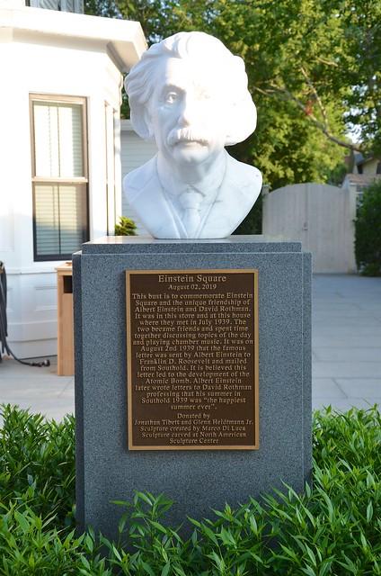 Photo:Einstein Square By Joe Shlabotnik