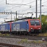 Doppeltraktion, mit den Loks 474 003-1 und 474 004-9 durchfährt am 20.09.2021 solo den Bahnhof Pratteln.