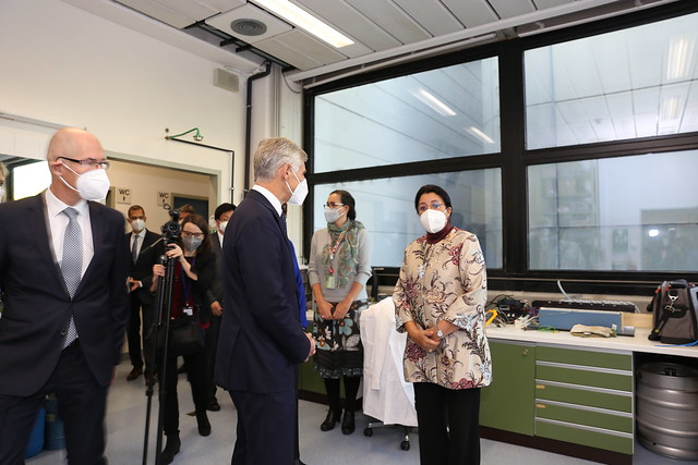 Photo:Foreign Minister of Austria visits the UN By IAEA Imagebank