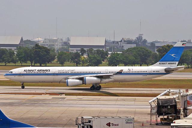 9K-ANA Airbus A340-313 Kuwait Airways BKK 31MAR06
