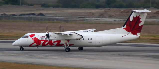 Air Canada Jazz De Havilland Canada DHC-8-311 Dash 8 C-FADF
